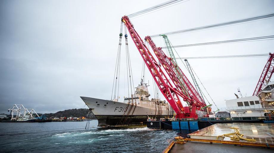 KNM «Helge Ingstad er over vannet igjen etter ulykken i november i fjor Foto: Forsvaret