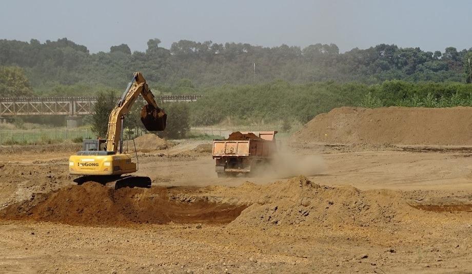 Las obras de la Piscicultura Cocule de Ventisqueros se encontraban en pleno desarrollo. Foto: Superintendencia del Medio Ambiente.