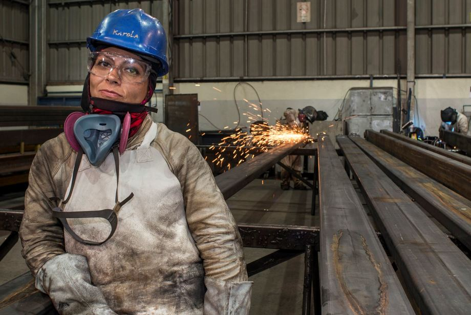 Jeanette Salazar, pioneer for the group of female welders at AKVA Group in Puerto Montt, Chile. Photo: AKVA.