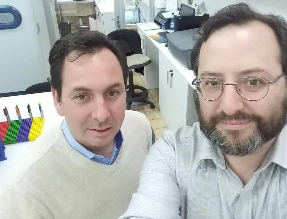 De izquierda a derecha: Dr. Matías Peredo y Dr. Jorge Parodi. Foto: Dr. Jorge Parodi.