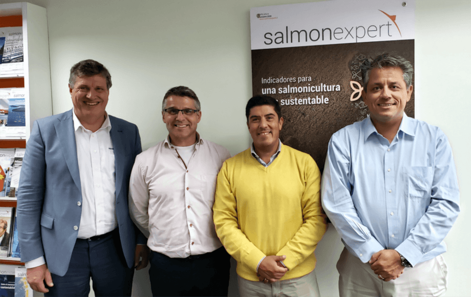 Ejecutivos de Hendrix Genetics visitaron Chile recientemente. De izquierda a derecha: Antoon Van den Berg, Neil Manchester, Rodrigo Torrijo y Felipe Almendras. Foto: Salmonexpert.