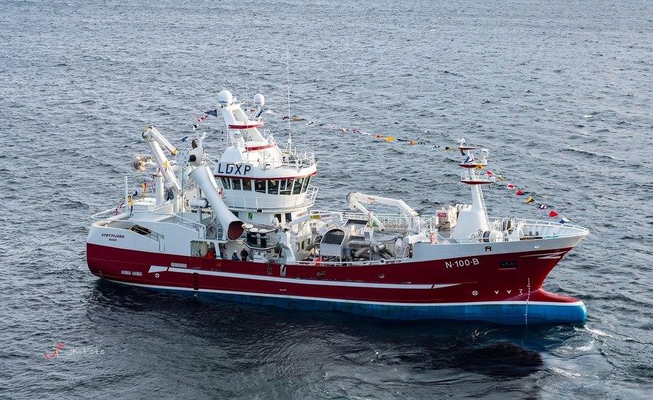 «Støttfjord» er overlevert og straks klar for fiske Foto: JK Foto
