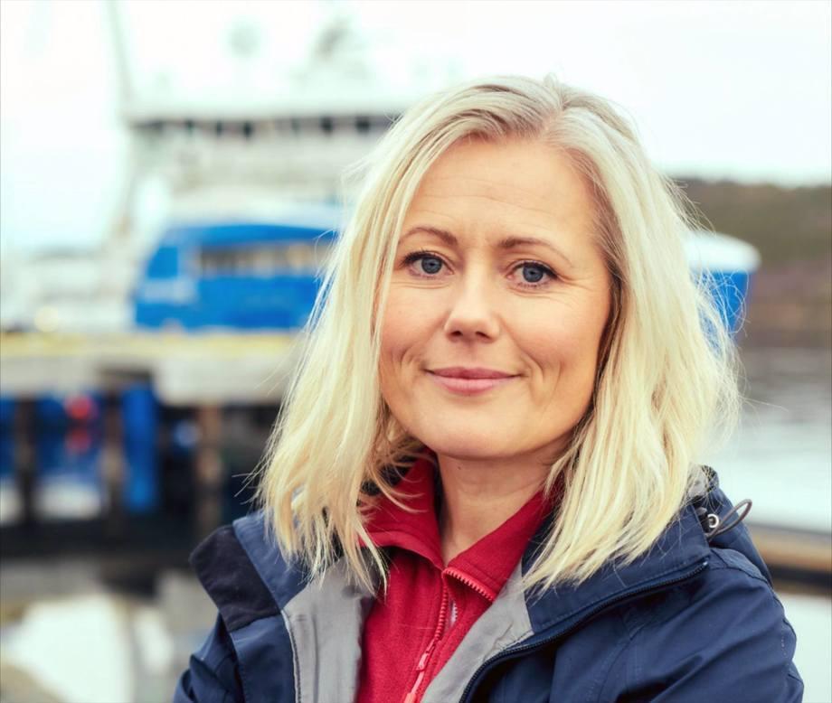 Hilde Mosand, nordisk markedssjef i MSD Animal Health forteller om vaksinering av laks. Foto: MSD Animal Health