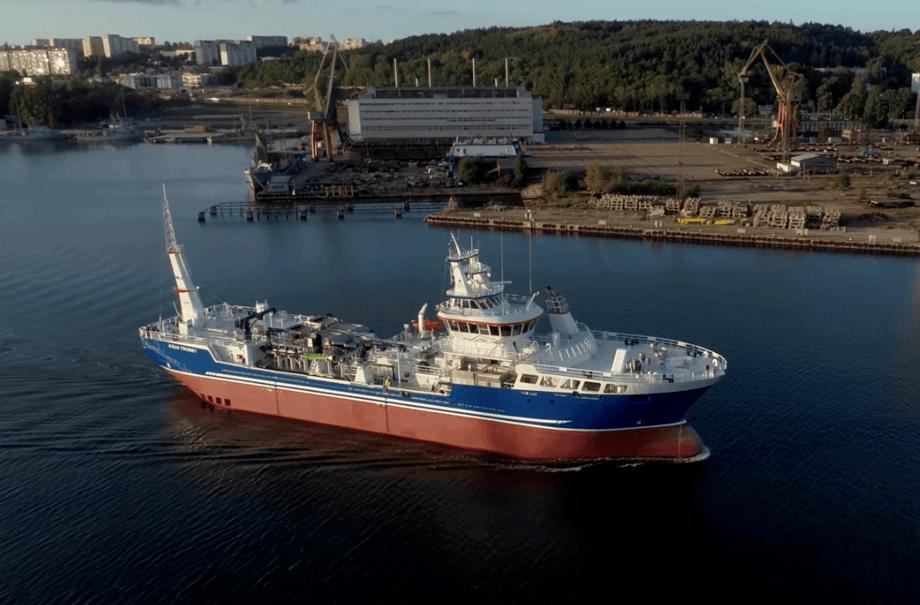 Aqua Tromoy es el wellboat más grande de Canadá. Foto: Mowi Canadá Oeste.