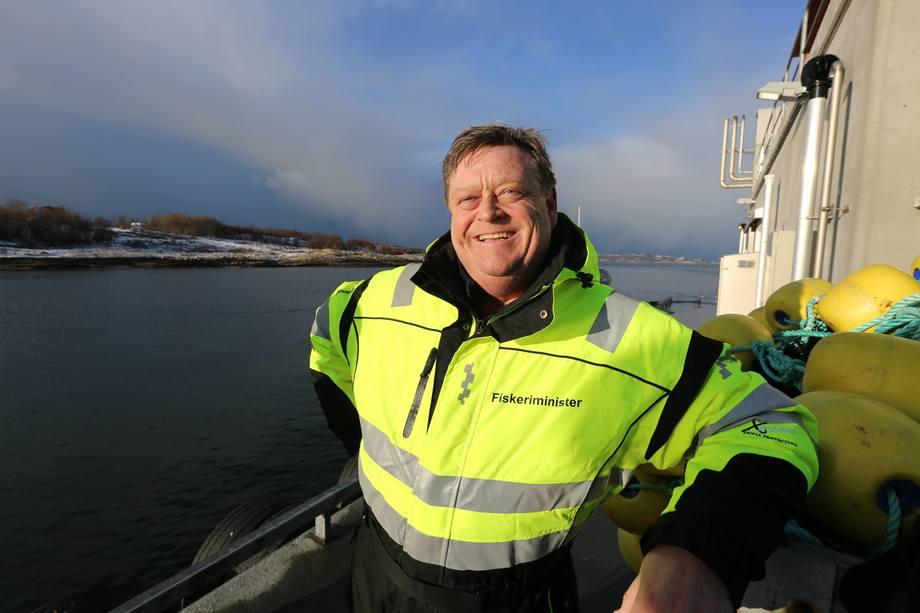 Fiskeriminister Harald T. Nesvik tar med seg kinas toll- og veterinærminister til Austevoll. Foto: Nærings- og fiskeridepartementet