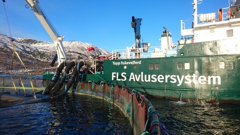 AKVA FLS Avlusingssystem er utviklet av Flatsetsund Engineering AS, som leverer ulike typer industriutstyr til oppdrettsnæringen. Alt salg av FLS-avlusningssystem samt FLS veie- og tellesystem i Norden vil gå gjennom AKVA group.
