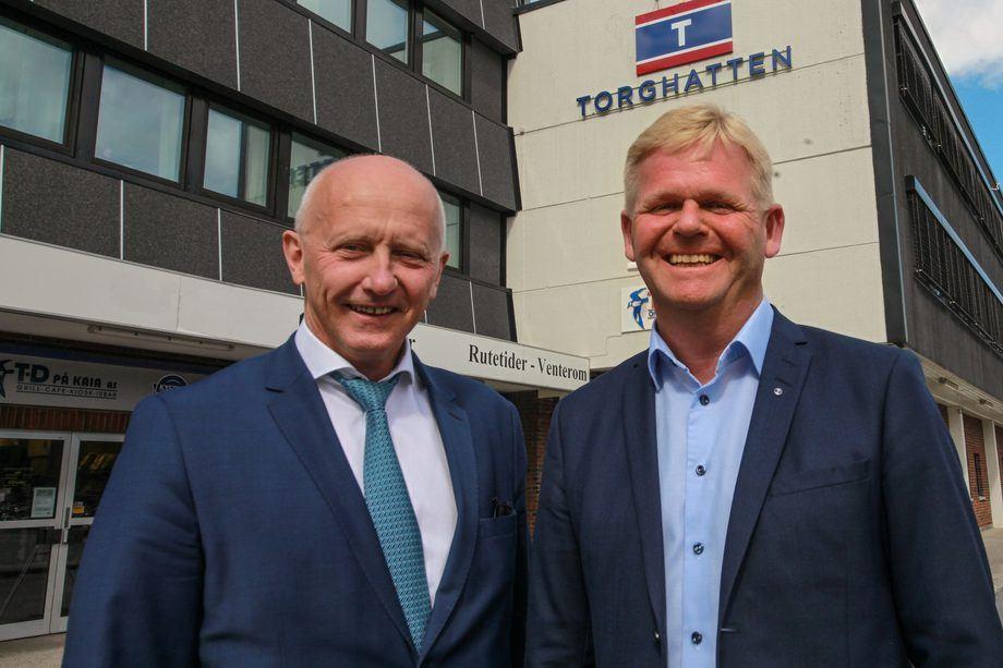 Roger Granheim (th) blir ny konsernsjef i Torghatten. Brynjar Forbergskog (tv)blir arbeidende styreleder i Torghatten ASA. Foto: Torghatten.