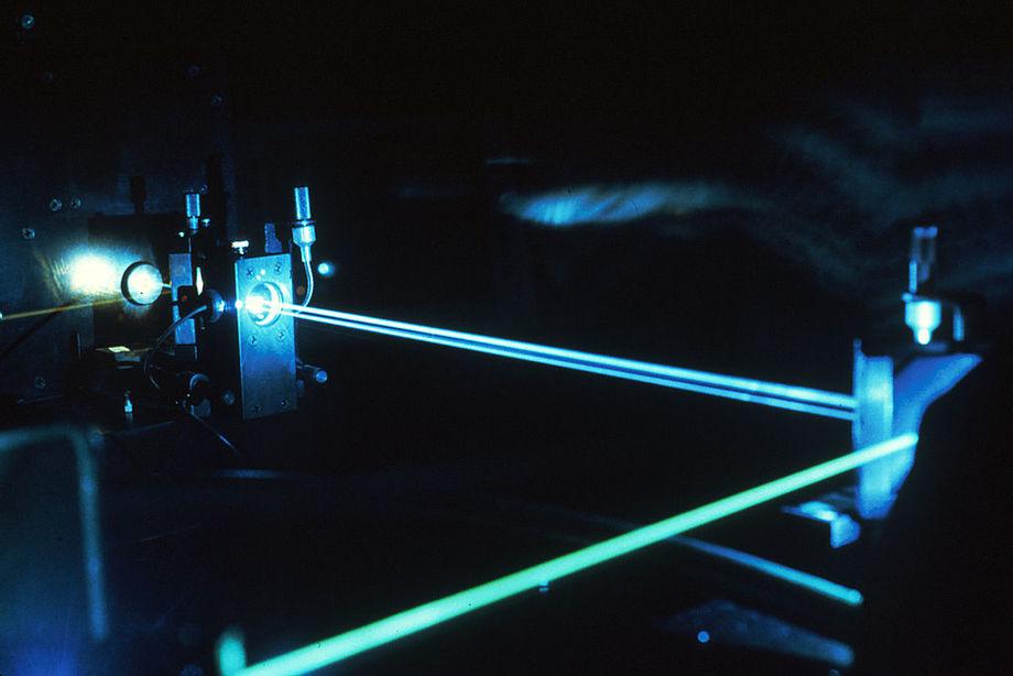 Forskere ved Universitetet i Columbia (USA) og Universitetet i Wageningen (Nederland)forsøker å optimalisere teknikken for å koke atlantisk laks med laser. Foto: National Cancer Institute.