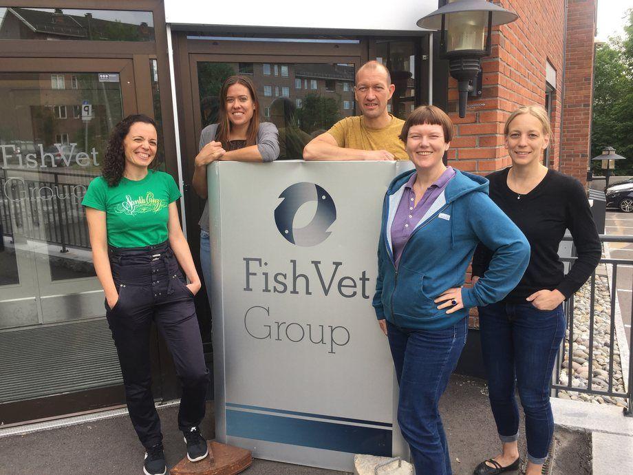 Fish Vet Group sitt histopatologiteam. Fra venstre: Marta Alarcon, Liv Østevik, Kai-Inge Lie, Hege Hellberg og Marianne Kraugerud  Foto: FishVet Group