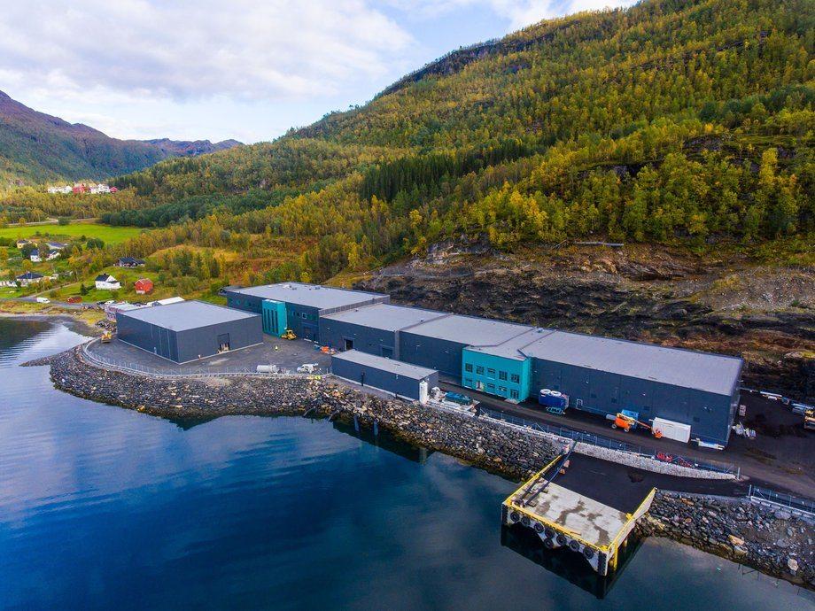 Det landbaserte anlegget til SalmonBreed Salten har offesiell åpning neste uke. Foto: Benchmark / SalmonBreed Salten