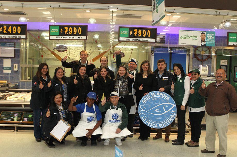 Sernapesca hará entrega del Sello Azul a 54 supermercados Jumbo desde Arica a Puerto Montt. Foto: Jumbo.