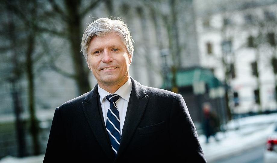 Klima- og miljøminister Ola Elvestuen setter av 25 millioner til utslippfrie hurtigbåter. Foto: Klima- og miljødepartementet