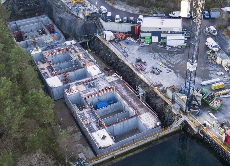 Fôrflåten som skal til GIFAS bygges på Stamsneset i Bergen. Foto: Endur Sjøsterk