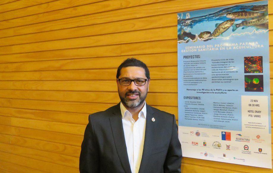 El Dr. Luis Mercado, académico e investigador de la Pontificia Universidad Católica de Valparaíso lidera el proyecto. Foto: Archivo Salmonexpert.