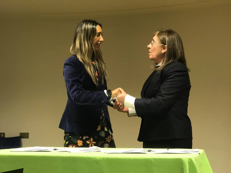 Josefina Moreno, de Australis Seafoods, y Rina Cares, del Servicio de Salud Aysén. Foto: Australis Seafoods.