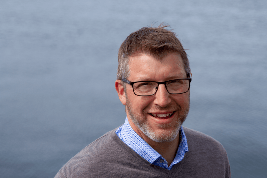 Hans Halle Knutzen er ansatt som ny salgs- og markedsdirektør i AquaGen. Foto: AquaGen
