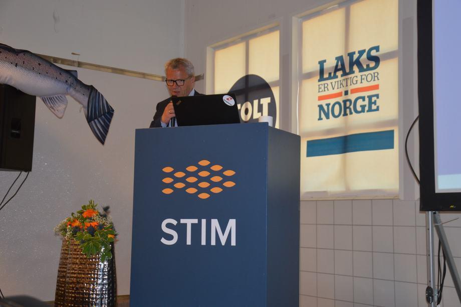 Jim-Roger Nordly en el Europharma Lofoten-Seminar. Foto: Ole Andreas Drønen.