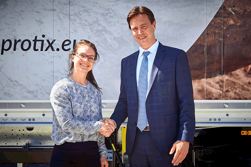 Skretting project procurement manager, Jenna Bowyer, and Kees Aarts, Protix chief executive, at the opening of the new Protix insect breeding facility in Bergen op Zoom, Netherlands. Photo: Skretting.