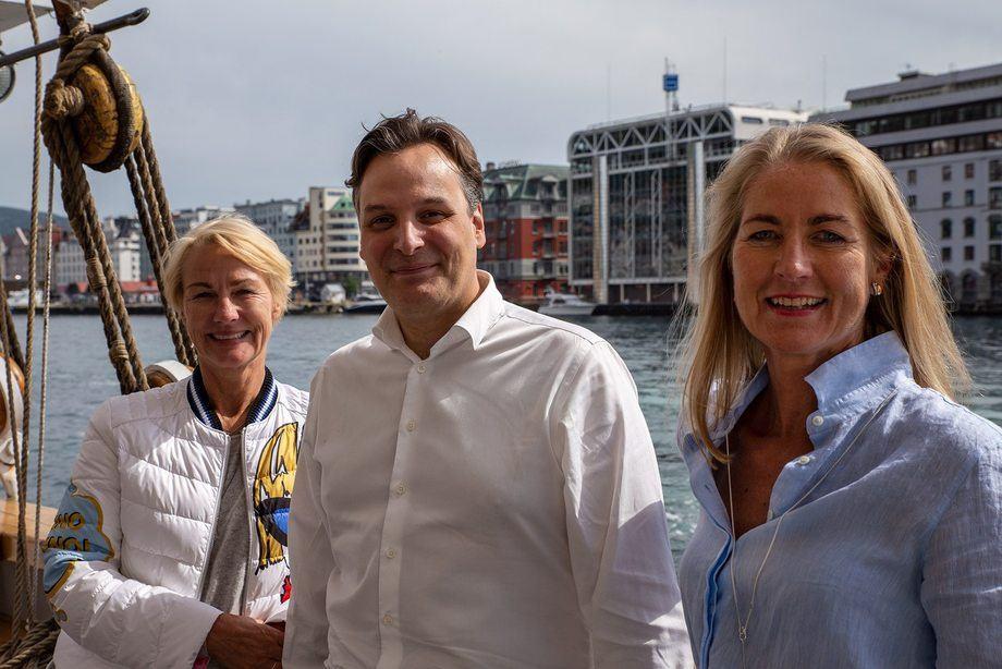 Endringer i ledelsen i Grieg Star. Fra venstre: Elisabeth Grieg, Matt Duke og Camilla Grieg. Foto: Grieg Star