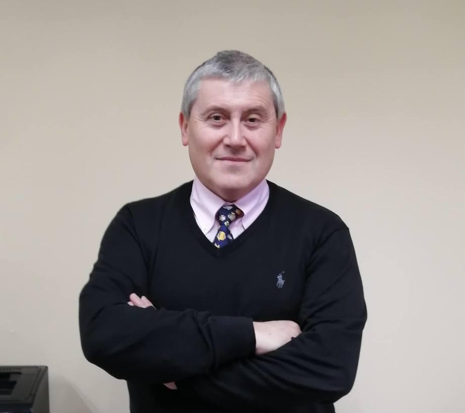 Dr. Ulises Alarcón, académico de la Universidad Austral de Chile, sede Puerto Montt. Foto: UACh.