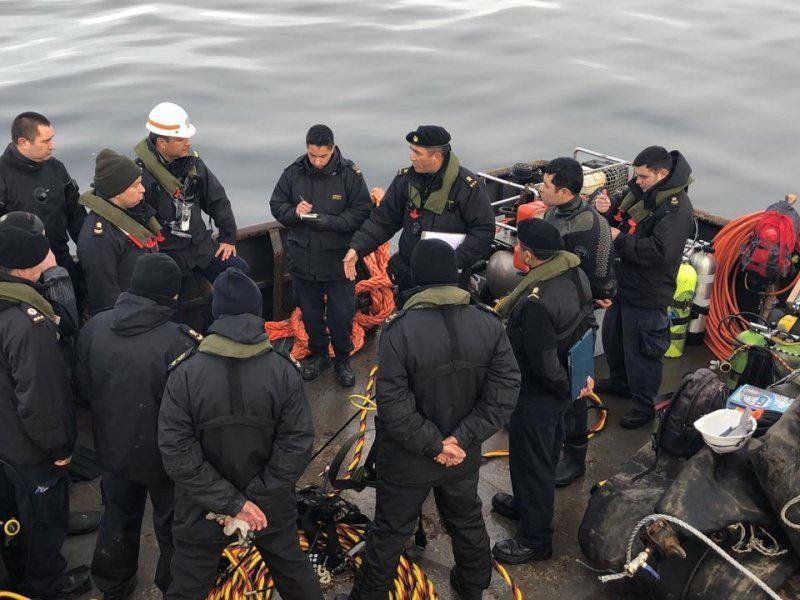 Los peritajes supervisados por la Armada continuarán esta semana. Foto: Armada.