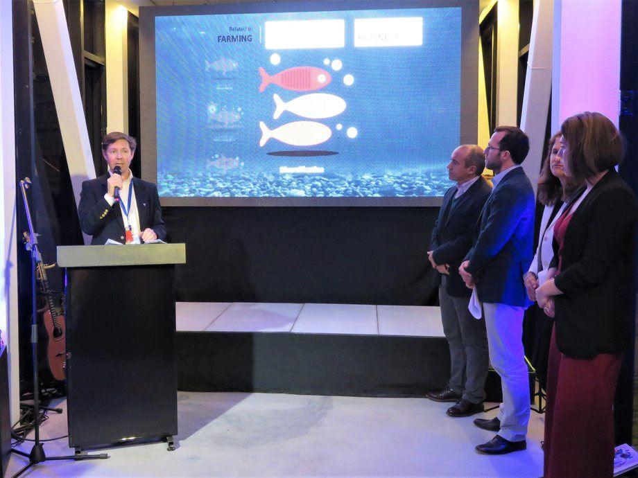 Gerente general de Ventisqueros, José Luis Vial, explicando las características de salmón Silverside en actividad de lanzamiento del producto. Foto: Karla Faundez, Salmonexpert.