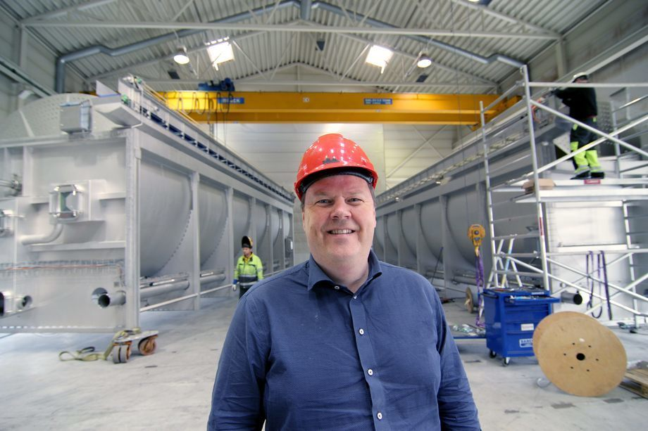 Selskapet har fått en stor kontrakt med Australis Mar i Chile. Her er CEO Klaus Hoseth i Stranda Prolog. Foto: Stranda Prolog.