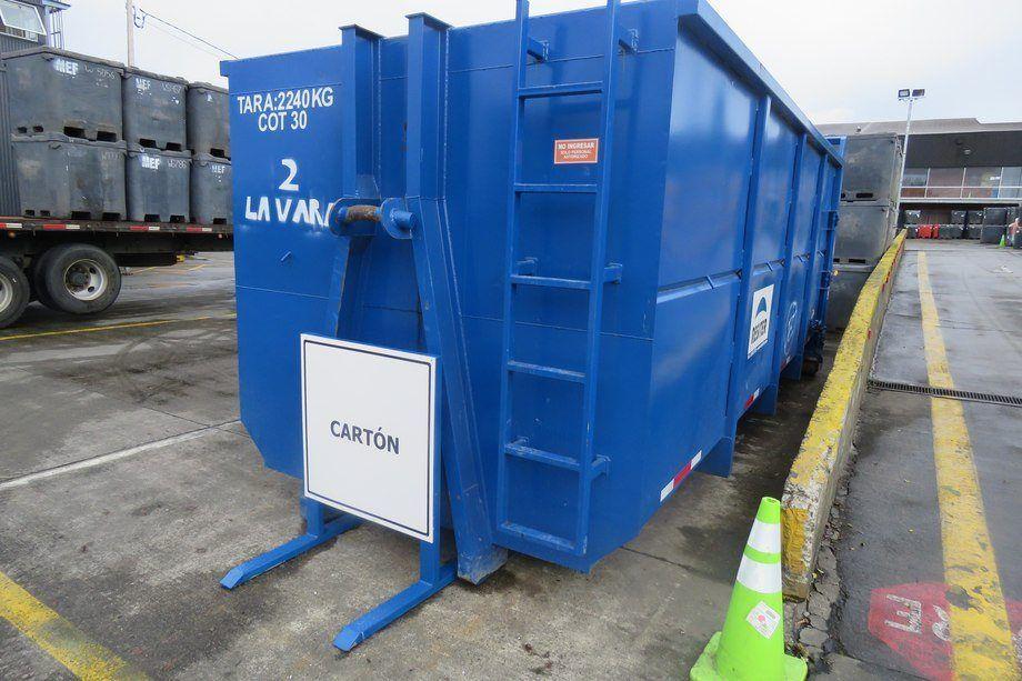 Unidad de almacenamiento de cartón para reciclaje de Resiter, en planta Cardonal de Multiexport Foods. Foto: Archivo Salmonexpert.