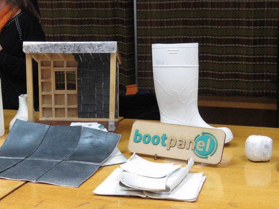 Ciclo de reutilización de Boot Panel: desde la bota hasta convertirse en material aislante para paneles. Foto: Karla Faundez, Salmonexpert.