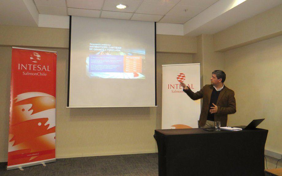 Gerente general de Intesal, Esteban Ramírez, en presentación de IV Informe de Sustentabilidad de SalmonChile. Foto: Karla Faundez, Salmonexpert.