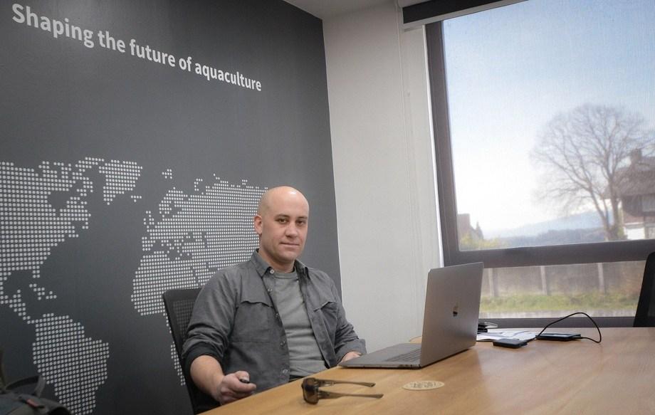 Rodrigo Grez, Country Manager de Amar Shipping Chile, en las oficinas del grupo. Foto: Grupo Amar Shipping.