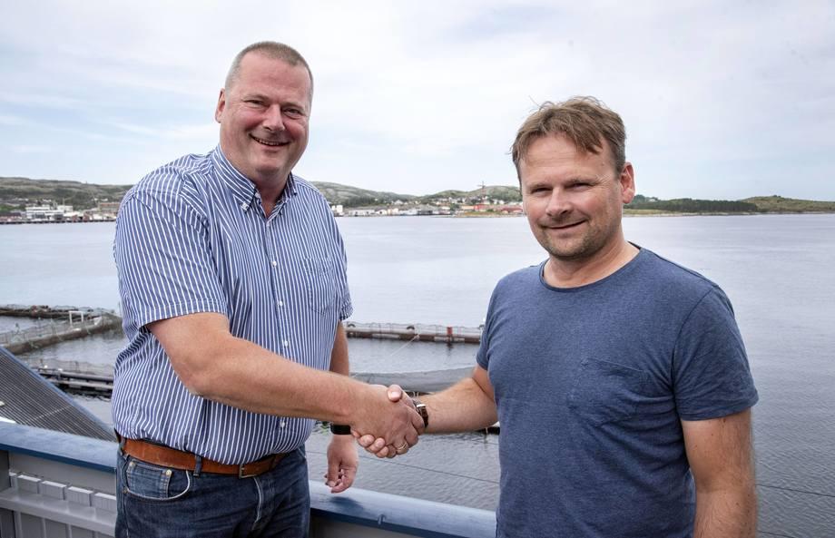 Denne uka ble endelig avtale mellom GL-bygg, ved Arne M. Galguften (til venstre) og SinkabergHansen ved konsernsjef Svein-Gustav Sinkaberg, inngått. Foto: SinkabergHansen