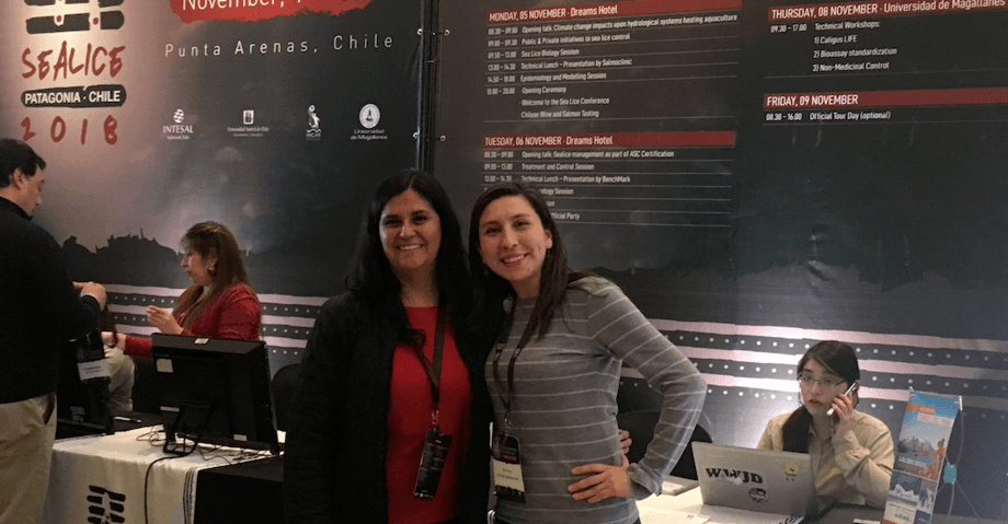 Ictio's R&D coordinator Alicia Lucero, left, and project manager Deborah Vargas at the 2018 Sea Lice Congress. Photo: Ictio Biotechnologies.