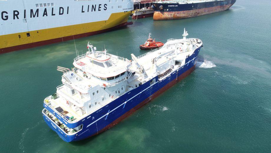 Den første av seks brønnbåter fra Sefine Shipyard i Tyrkia er overlevert DESS Aquaculture. Foto: Sefine Shipyard
