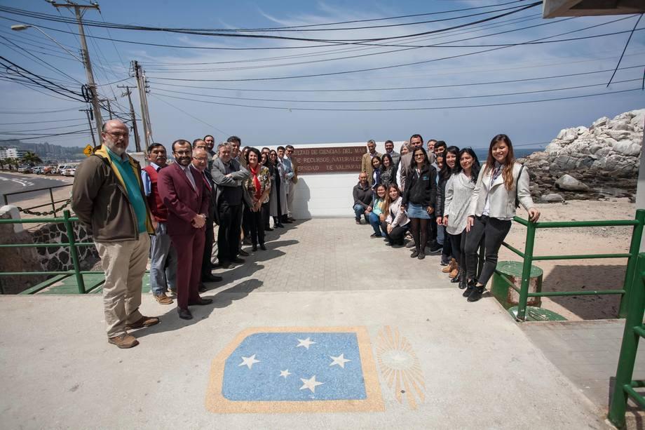 Participantes de la primera versión del Día de la Acuicultura, realizada en Valparaíso. Foto: Marcelo Campos.
