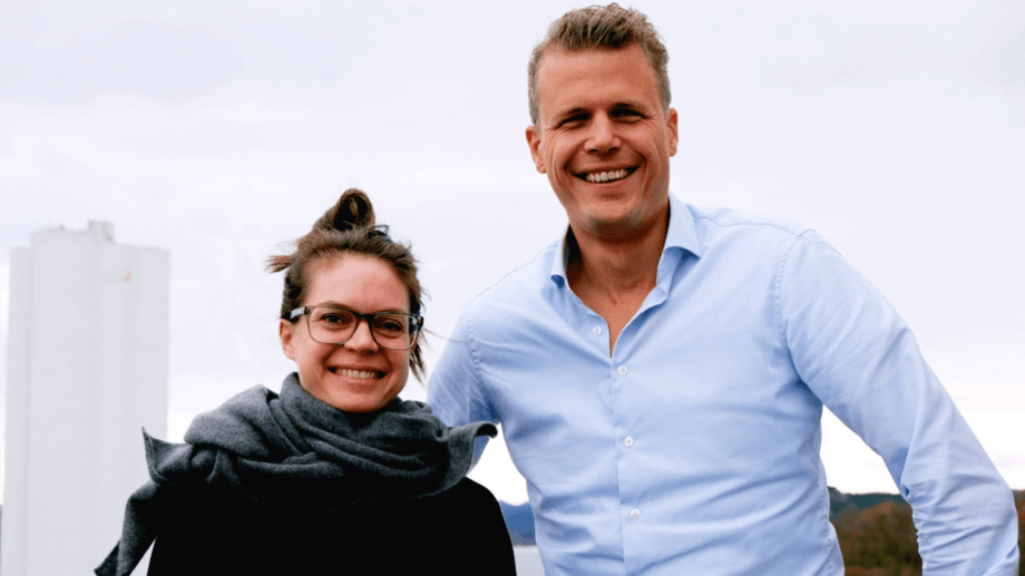 La nueva gerente de Ingredientes Novedosos, Jenna Bowyer y nuevo director de Adquisiciones, Robert van den Breemer. Foto: Skretting.