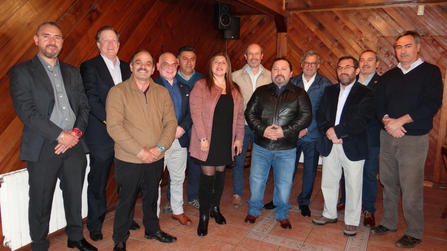 En el encuentro además se mostró entusiasmo por el pronto inicio de cosechas de salmones en la región de Magallanes. Foto: Blumar.