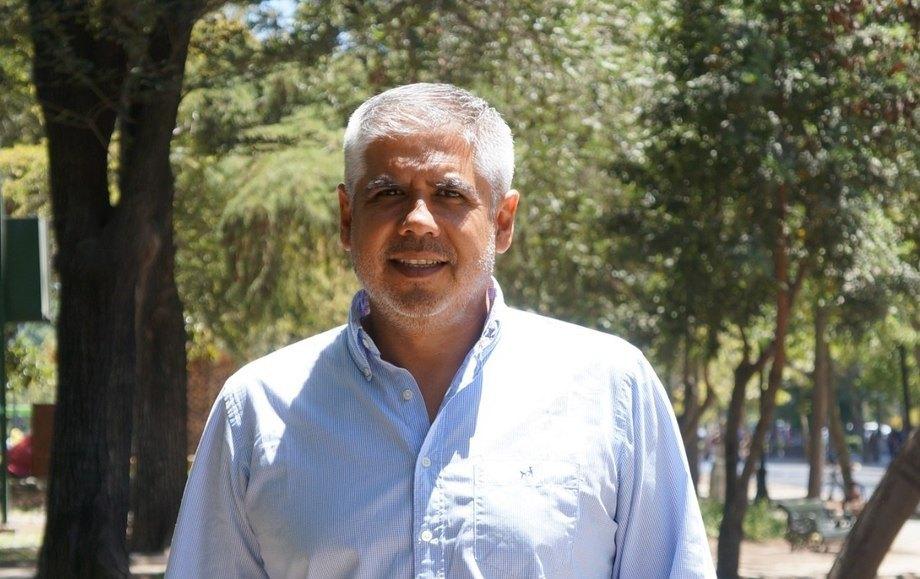 Claudio Pérez Barros, Sociólogo, consultor y subdirector de Sostenibilidad en Fundación Huella Local.Foto: Cedida.
