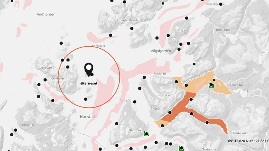 Fish have escaped from SalMar's farm at Oterneset, where salmon are now suspected to have ISA. Map: Barentswatch.
