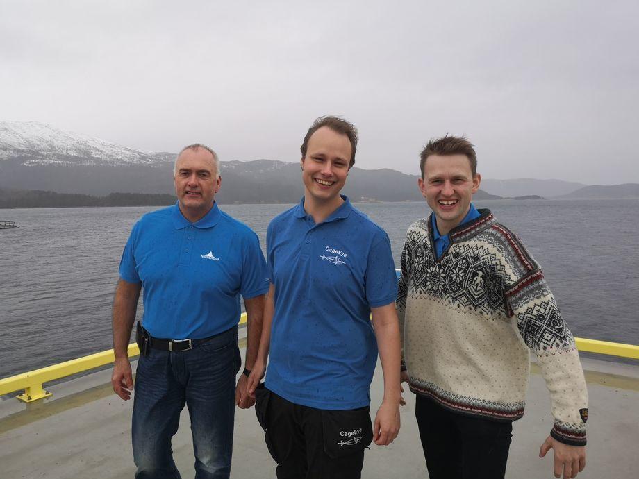 Daglig leder Sveinung Kristiansen, CageEyes CEO Bendik S. Søvegjarto og grunnlegger av NorseAqua, Lars Berg-Hansen. Foto: CageEye.