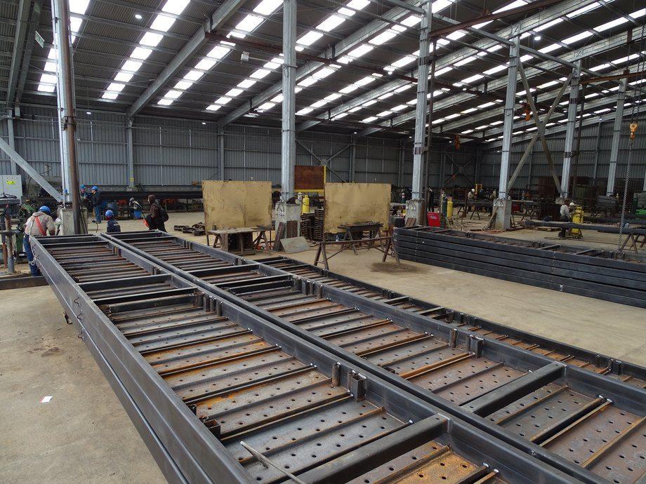Pasillos de jaulas de cultivo de salmón que están siendo construidos por Walbusch. Foto: Walbusch.