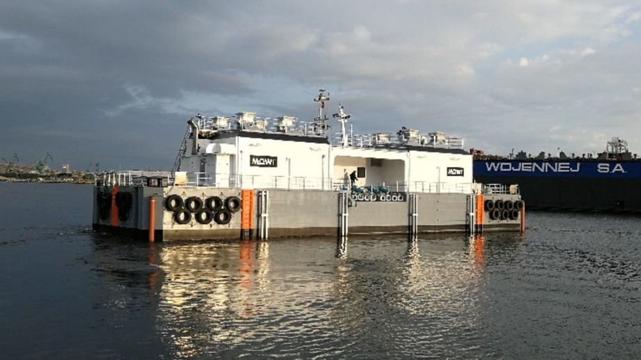 A ScaleAQ 500-tonne SeaFarm feed barge. The barges bought by Mowi will have an additional deck. Photo: ScaleAQ.