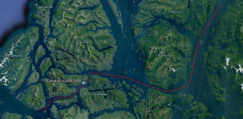 Imagen satelital del canal Pulluche, lugar cercano a donde ocurrió la emergencia. Fuente: Cima Chile.