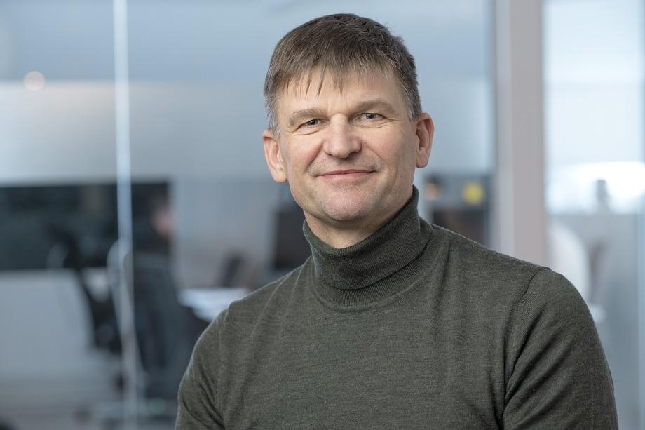 Mørenot, som kom inn som eier av Hvalpsund Net i august, og konsernsjef Arne Birkeland vil tre i inn i den operative ledelsen inntil en permanent erstatter er på plass. Foto: Mørenot.