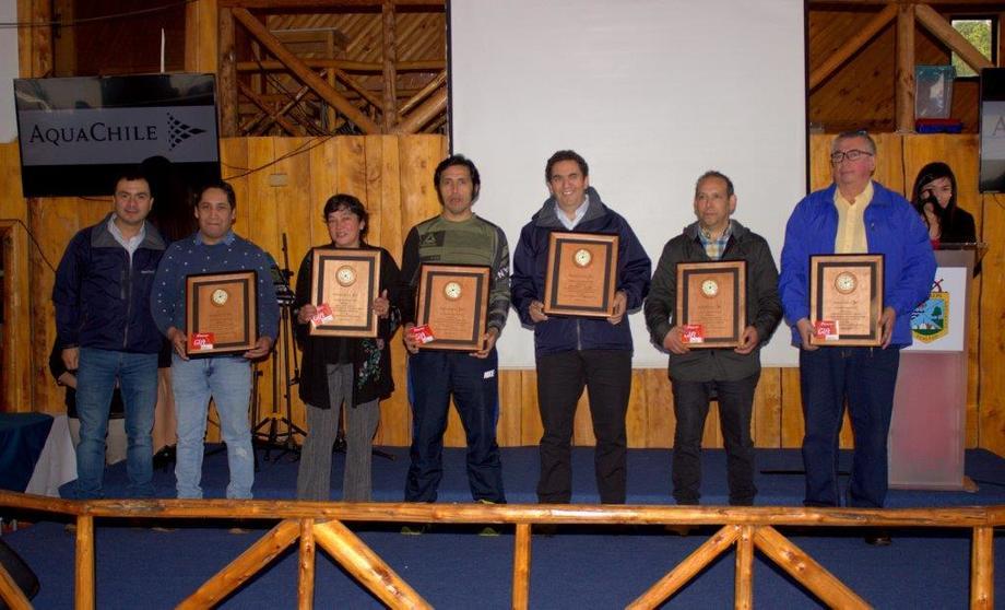 La ceremonia de reconocimiento se realizó en el centro de Eventos de Oqueldán. Foto: AquaChile.