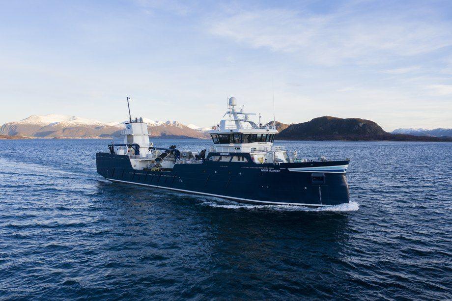 «Ronja Islander» er overlevert fra Aas Mek til Sølvtrans. Foto: UAVPIC
