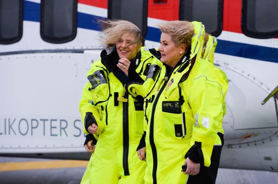 Erna Solberg (th) åpnet i dag et av Norges største oljefelt; Johan Sverdrup, sammen med olje-og energiminister Sylvi Listhaug. Foto: Jon Ingemundsen, Stavanger Aftenblad.