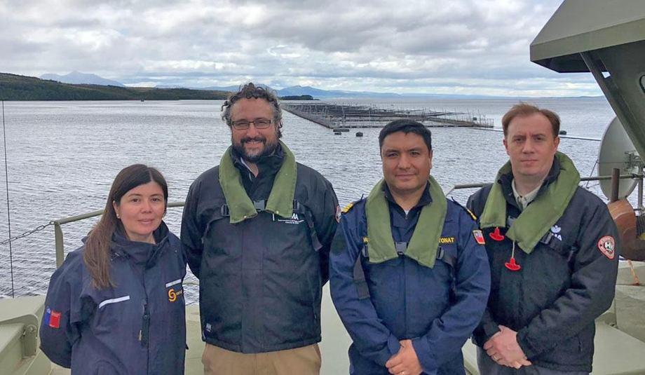 Autoridades sectoriales relacionadas a la fiscalización de la salmonicultura. Foto: SMA.