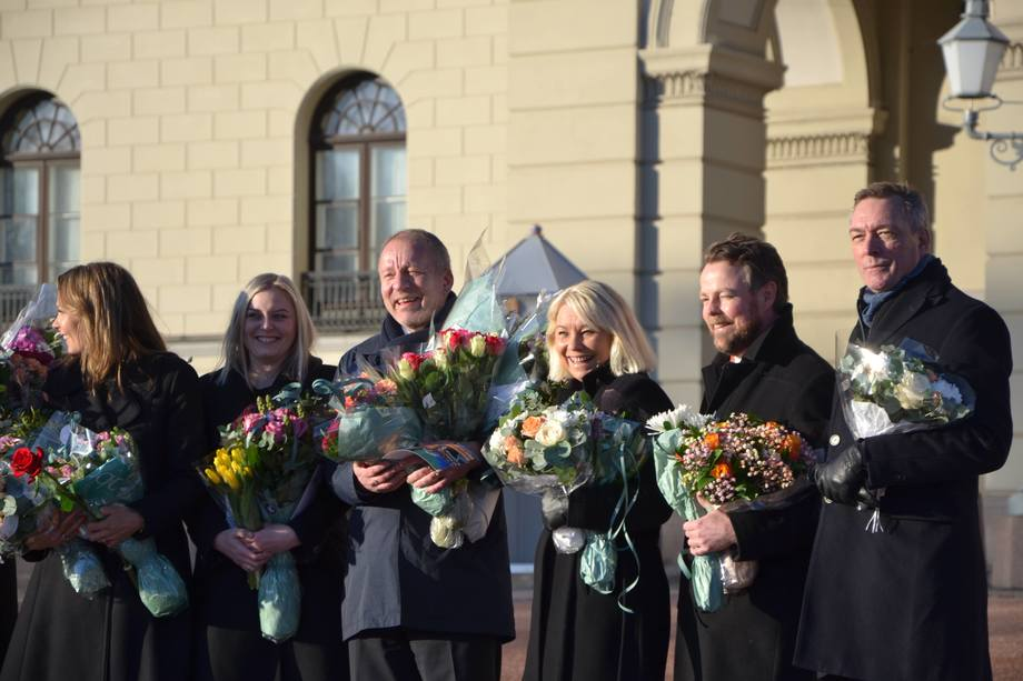 Geir-Inge Sivertsen, third from the left, among other new ministers today. Photo: Harrieth Lundberg.