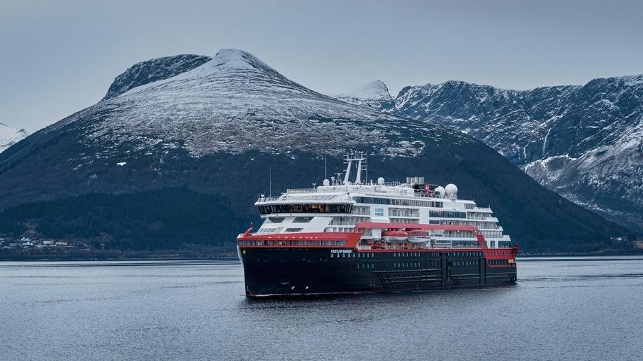 MS «Fridtjof Nansen» er nå overlevert fra Kleven til Hurtigruten. Foto: Motion Air